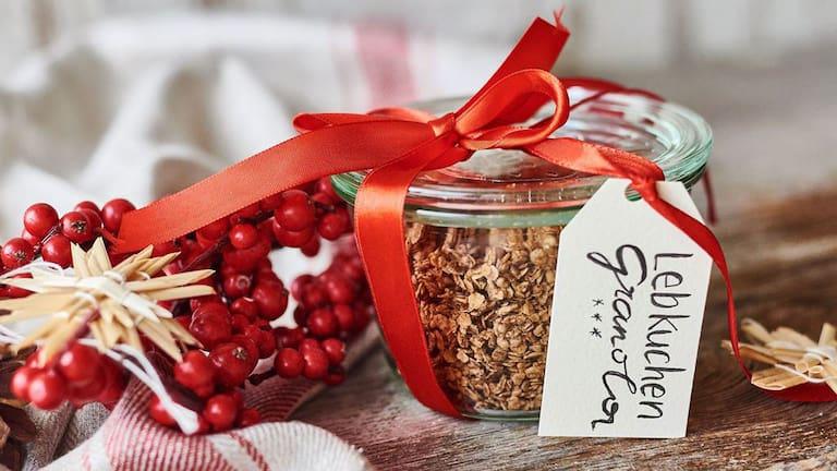 Weihnachtsgeschenke zum Selbermachen: Lebkuchen-Granola