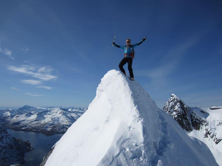 Skitourengehen im hohen Norden: Auf dem Gipfel des Trollsadellen