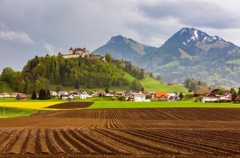Die landschaftliche Aussicht während der Käsewanderung rund um Gruyères im Knton Freiburg