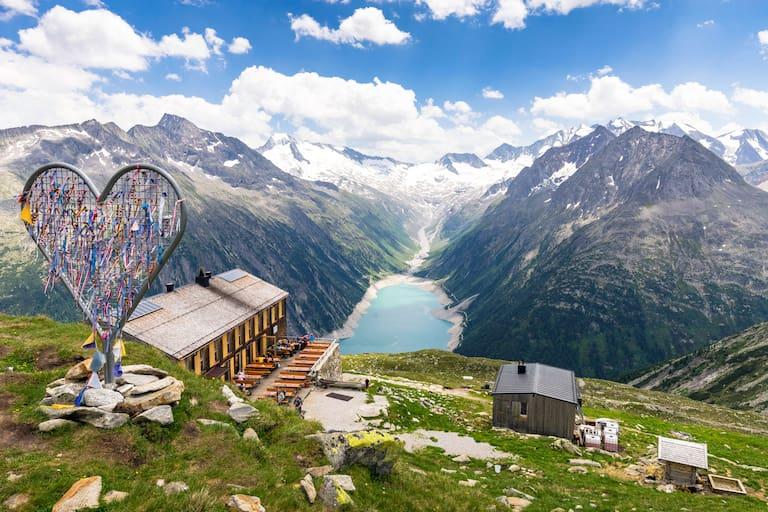 Olpererhütte (2.389 m) in den Zillertaler Alpen