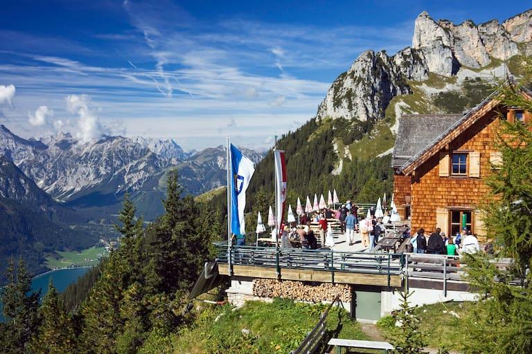 Erfurter Hütte im Tiroler Rofangebirge