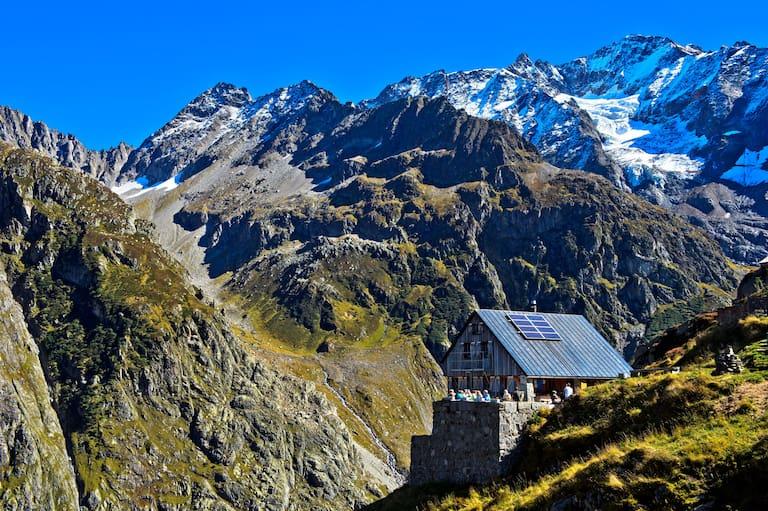 Die Windegghütte (1.880 m) in den Urner Alpen