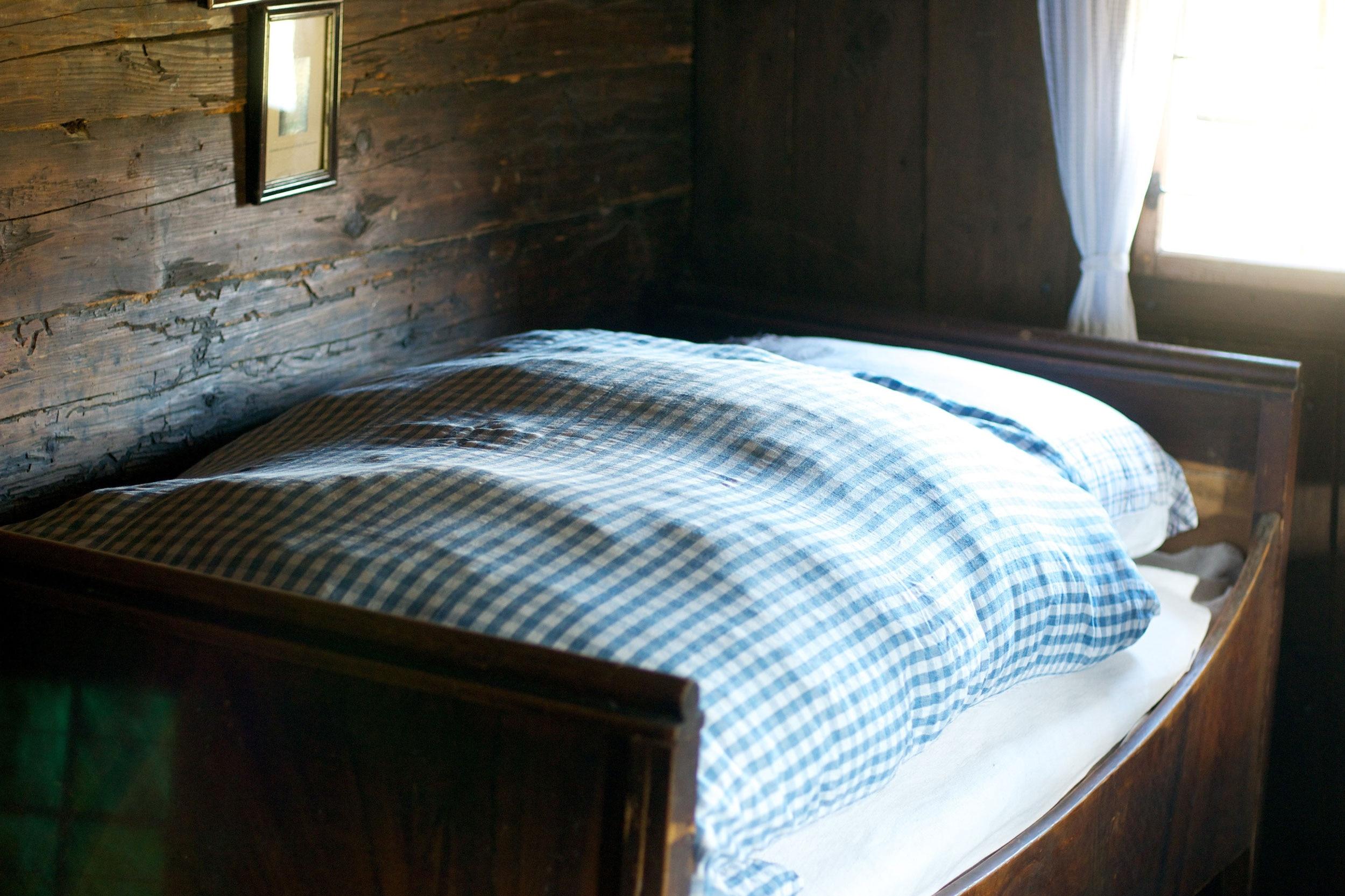 Matratzenlager  Nachförg – Morgengrauen im Matratzenlager | Bergwelten