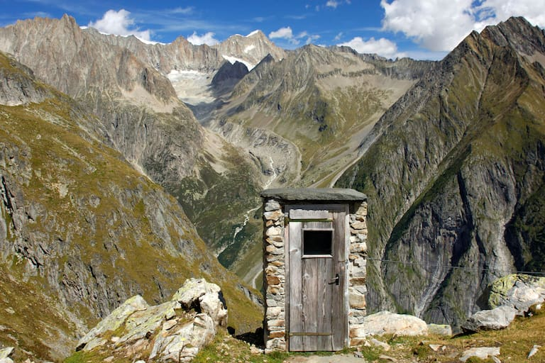 Schweiz Wiwannihütte Toilette