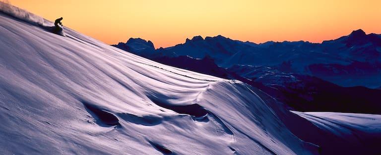 Abendstimmung an der Valluga Nord am Arlberg: eine der legendärsten Freeride-Abfahrten der Alpen