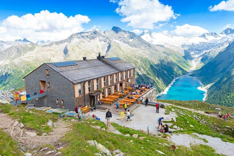 Die Olpererhütte (2.389 m) in den Zillertaler Alpen