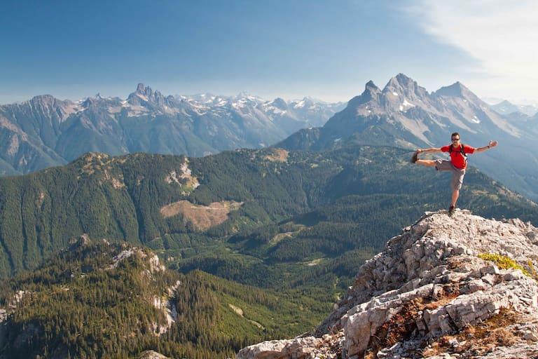 Wandern macht glücklich: Doch was gilt es beim Kauf eines Wanderschuhs alles zu beachten?