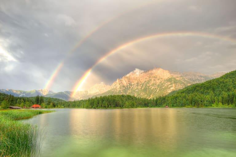 Regenbogen über dem Karwendelgebirge