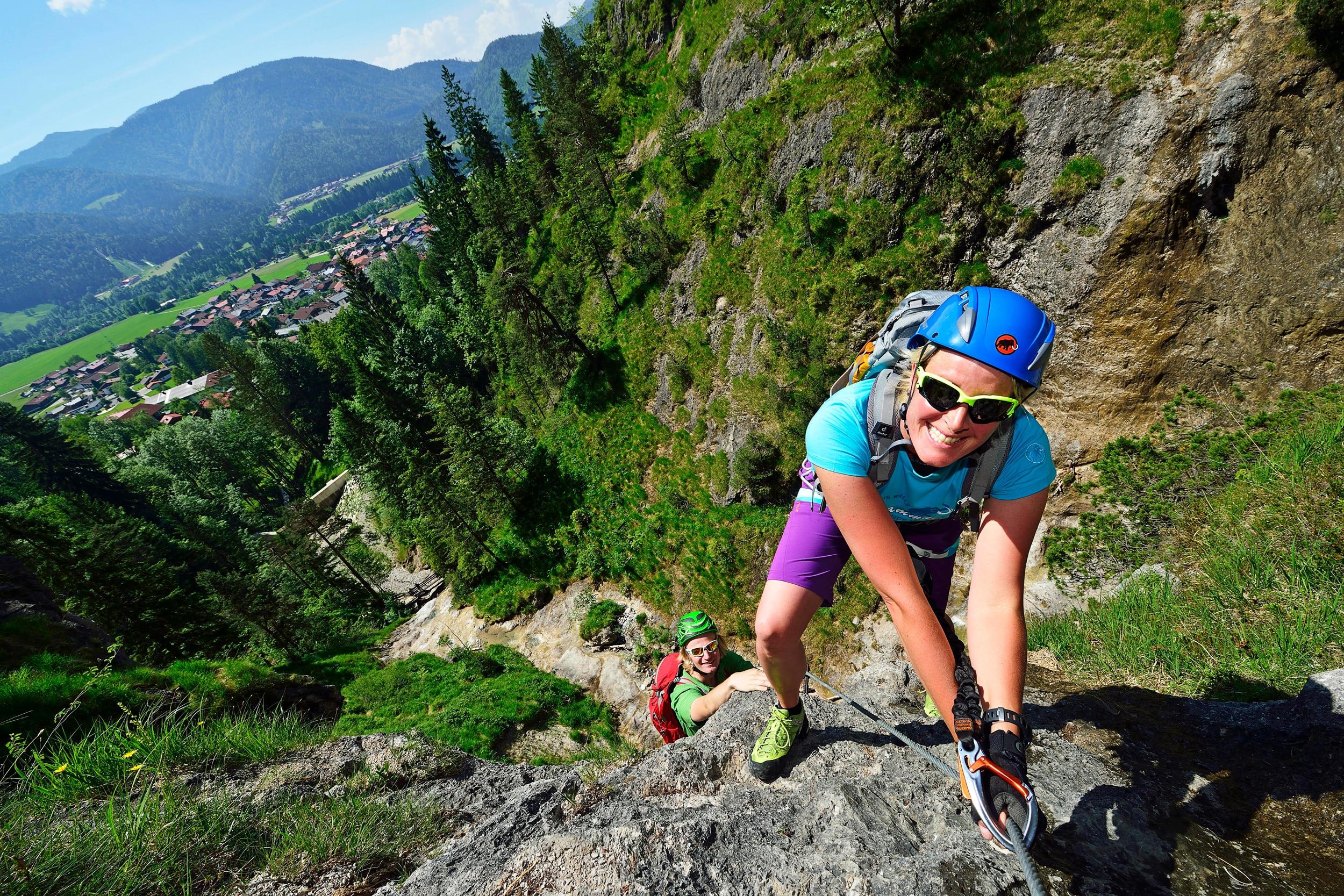 Klettergurt Einbinden Klettersteigset : Universal klettergurt taipan hüftgurt sitzgurt klettersteig