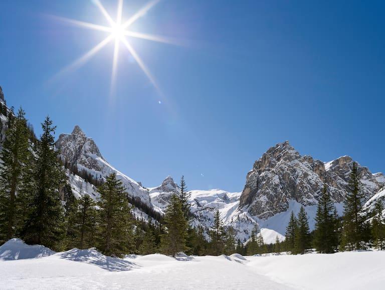 Das Innerfeldtal in den Sextner Dolomiten mit dem Gipfel des Morgenkopf (2.493 m)