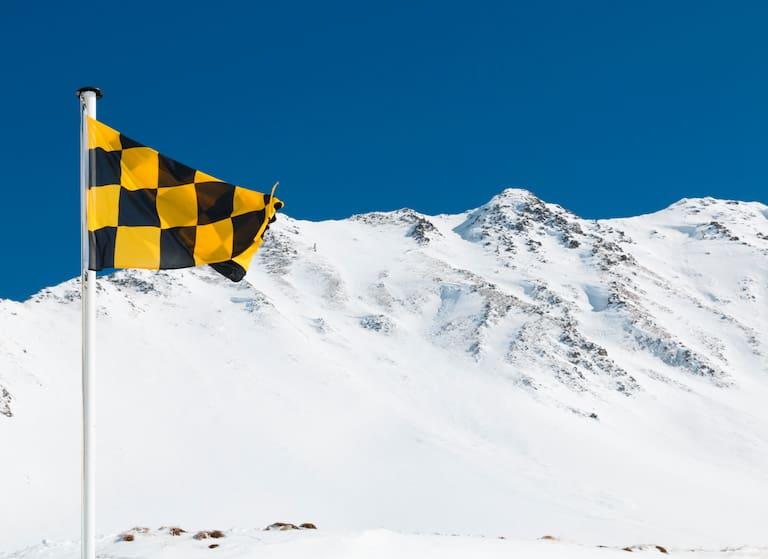 Schneearme und besonders windausgesetzte Hangbereiche sind kritisch zu beurteilen