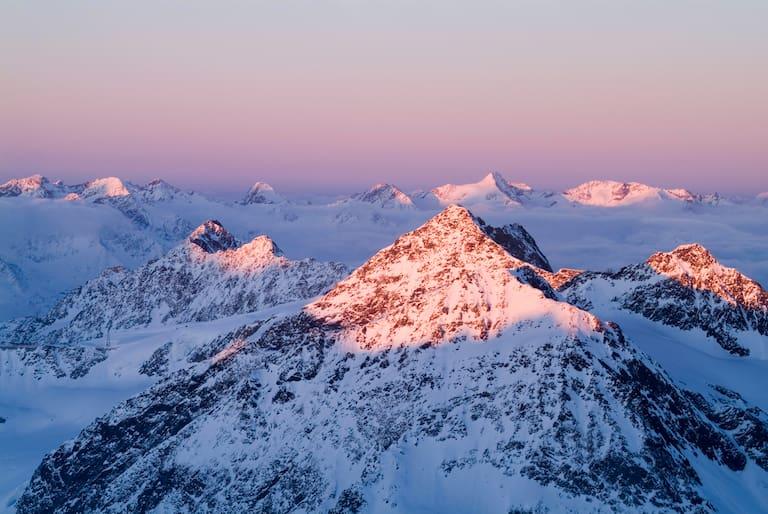 Das Zuckerhütl (3.507 m) zählt wohl zu den beliebtesten Skihochtourengipfel der Alpen