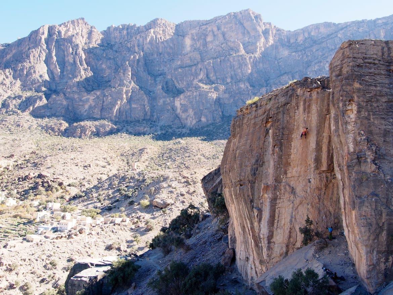 Hadash rocks! Hamza in Spartacus, 7c. Oman Klettern Wandern Bergwelten Schöpf