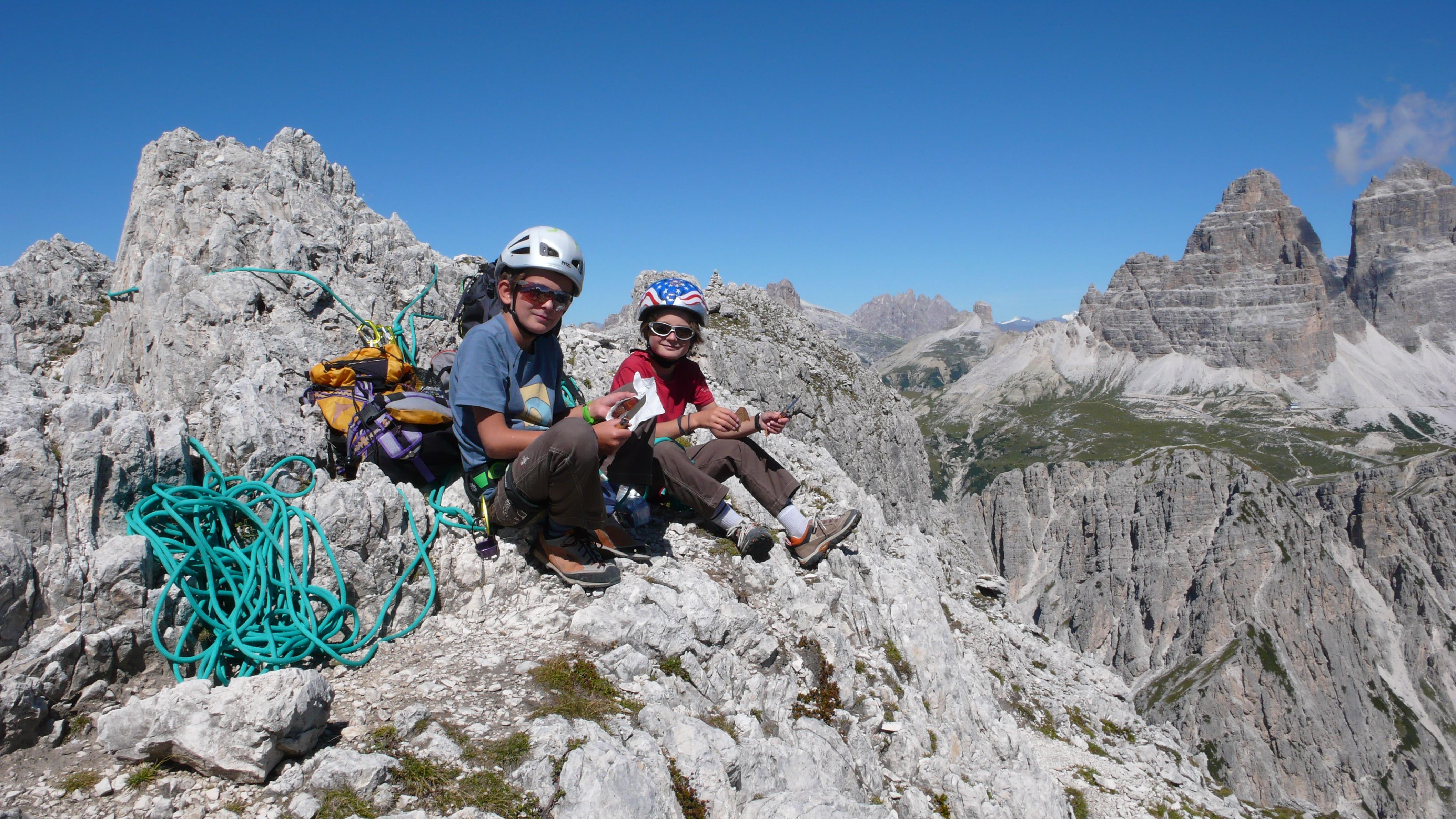 Klettergurt Kind Ab Wann : Klettern mit kindern ausrüstungstipps bergwelten