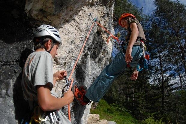 Klettergurt Kind 3 Jahre : Klettern mit kindern die richtige ausrüstung bergwelten