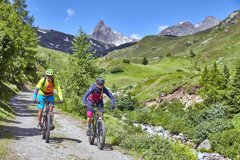 Unterwegs mit dem E-Bike in der herrlichen Bergnatur des Paznaun.