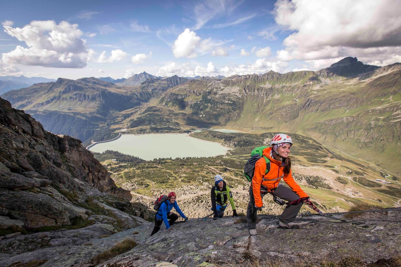 Die Berge in der Vertikalen erklimmen, das ist auf den Klettersteigen im Paznaun möglich.