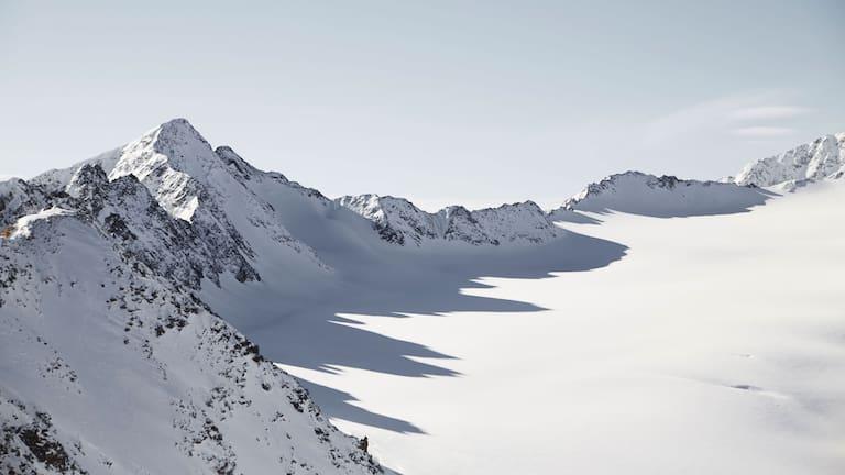 Das Ende der Welt in Tirol: Schattenspiele am Pitztaler Gletscher