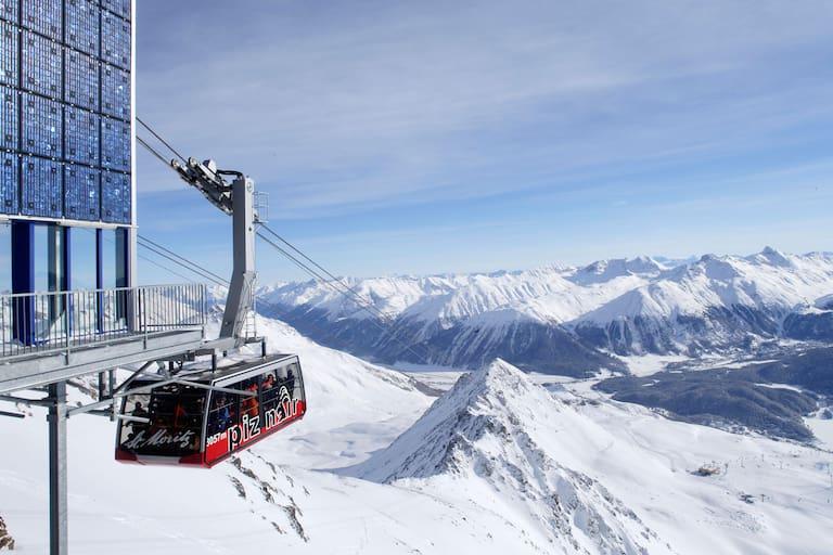 Seilbahn am Piz Nair in der Schweiz