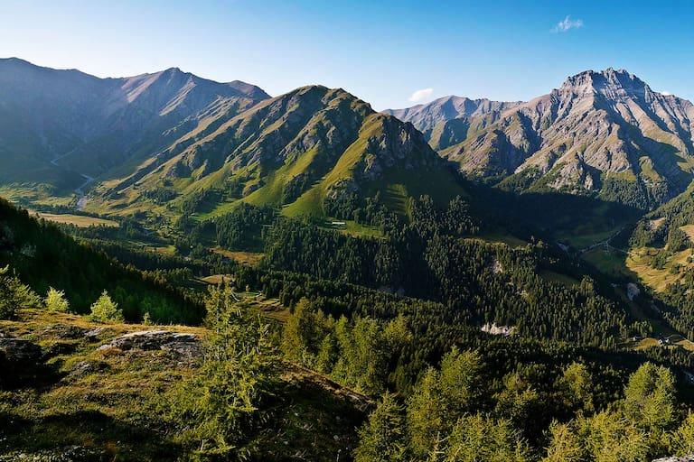 Wandern in der Silvretta: Blick auf den Piz Spadla in Graubünden
