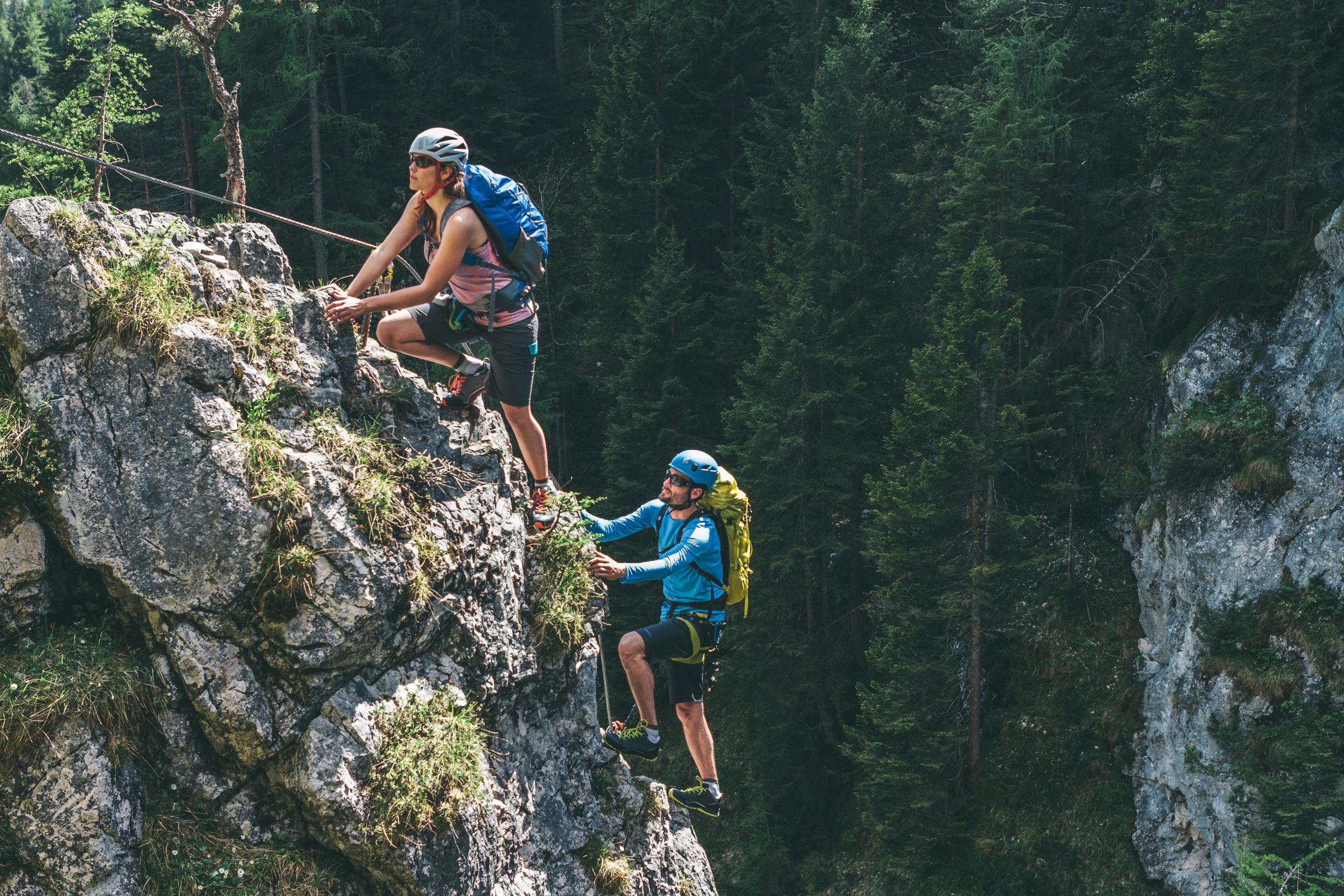 Klettersteigset Bandschlinge Einbinden : Klettersteigset ausgelöst petzl scorpio vertigo