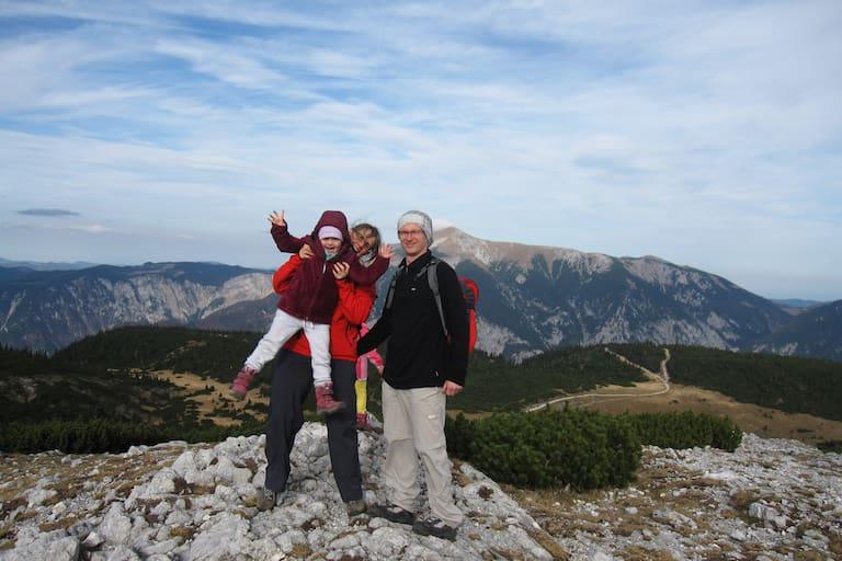 Wandern mit Kindern auf der Rax: Sabine Schlögl und Familie