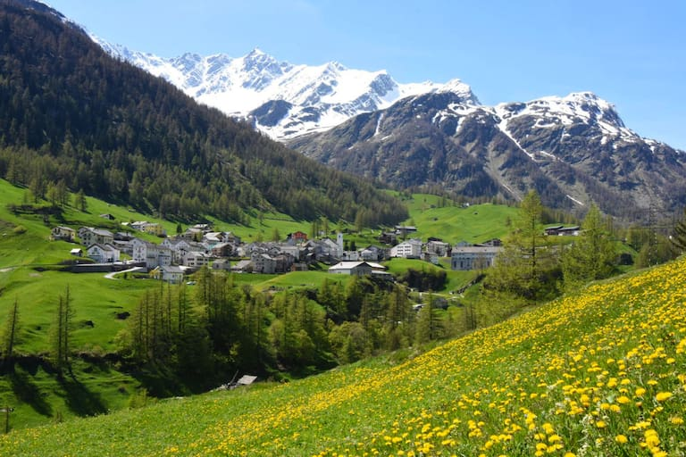 Simplon Dorf in den Walliser Alpen