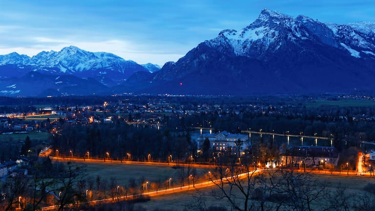 Blick vom Mönchsberg über Salzburg