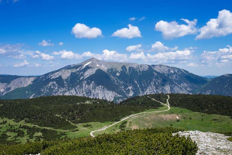 Wiener Alpen: Blick auf den Schneeberg