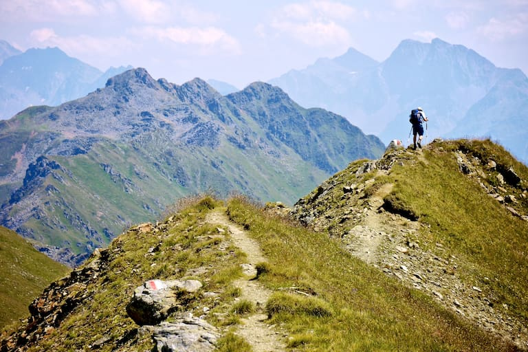 Wanderer am Kamm Richtung Großglockner