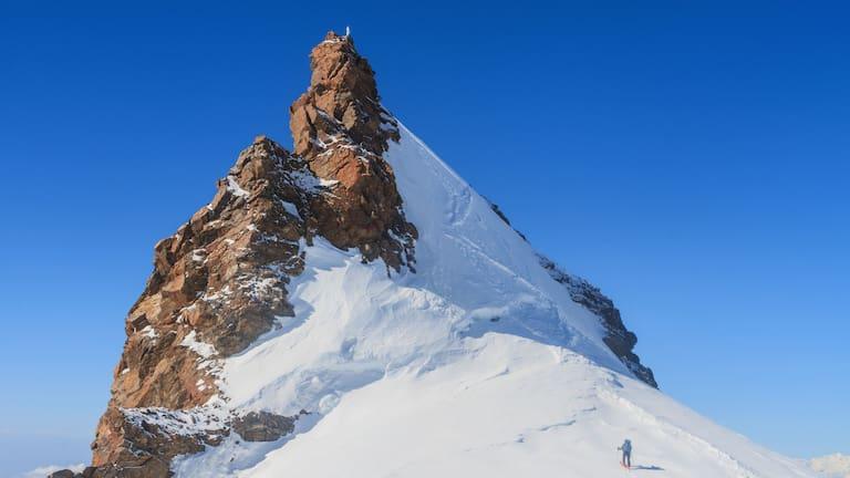 Gipfel des Schwarzhorns im Walliser Grenzkamm im Monte-Rosa-Massiv