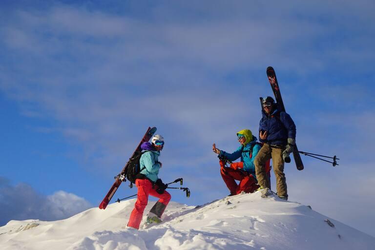 Skitourengeher am Gipfel