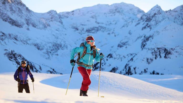 Skitourengeher im Kühtai in Tirol
