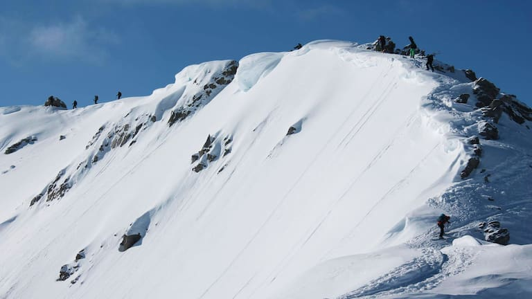 Skitour auf den Pazolastock im Kanton Graubünden