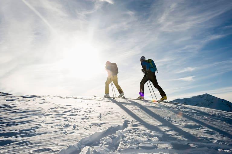 Skitourengeher auf Pistenskitour