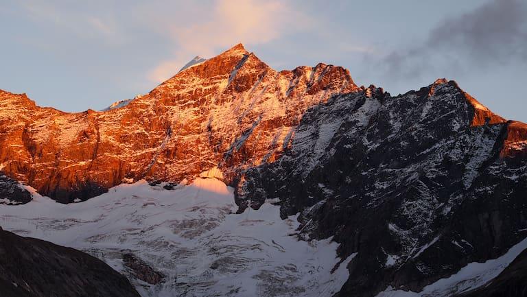 Alpenglühen im Stubachtal: Sonnenuntergang in der Weißsee Gletscherwelt im Salzburger Land