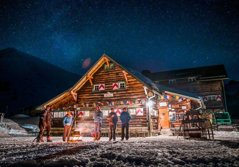 Die Südwiener Hütte bei Nacht