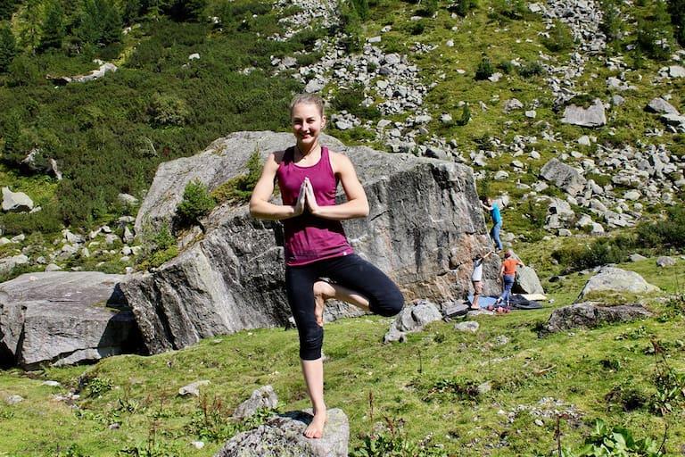 Miriam Nussbaumer hält sich mit Yoga fit