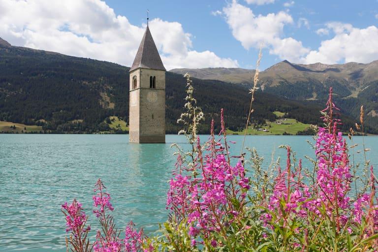 Vinschger Höhenweg: Turm im See