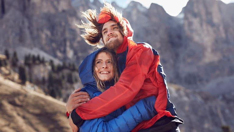 Wandern: Paar im Gebirge