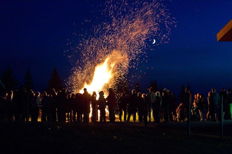 Sonnwendfeuer in den Kitzbühler Alpen