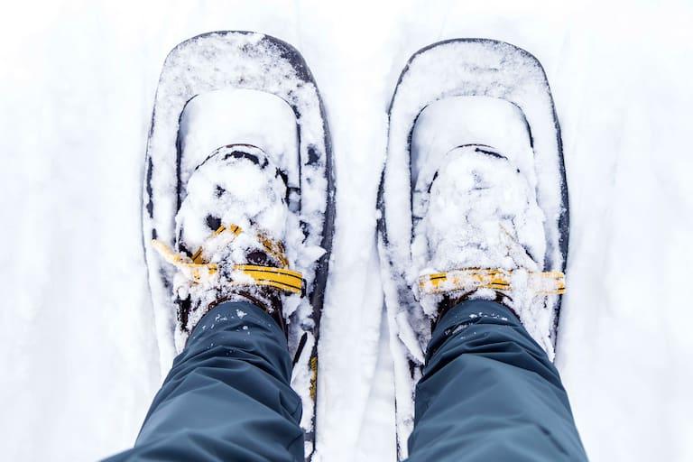 Spaßmacher im Winter: Schneeschuhe