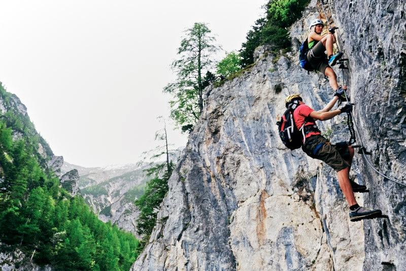 Klettersteig Schwierigkeitsgrad : Klettersteige mit kurzen schlüsselstellen bergwelten