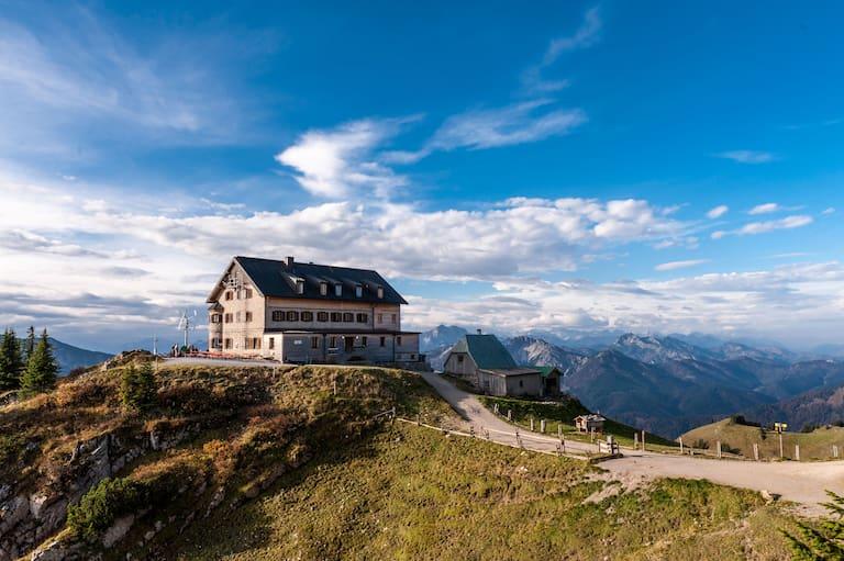 Das Rotwandhaus (1.737 m) in den Bayerischen Voralpen