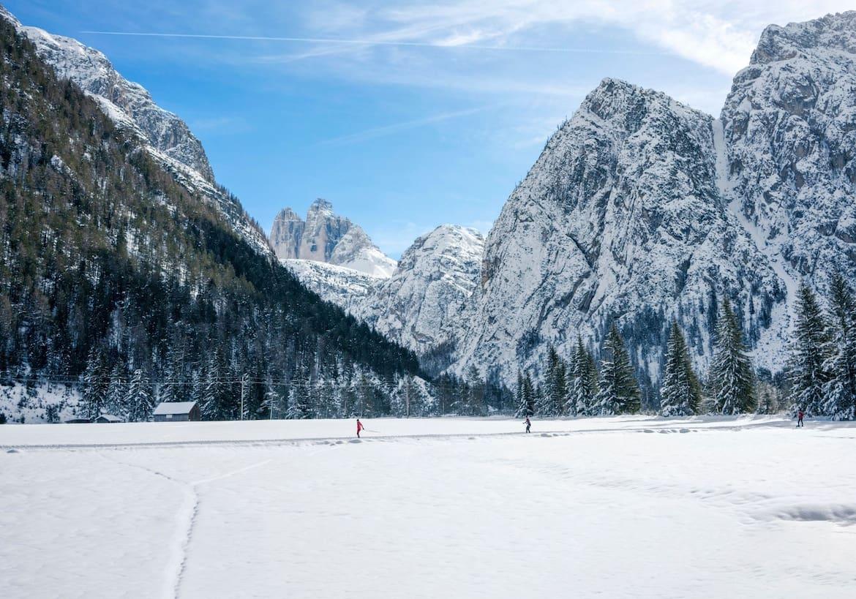 Blick auf die schneebedeckten Drei Zinnen