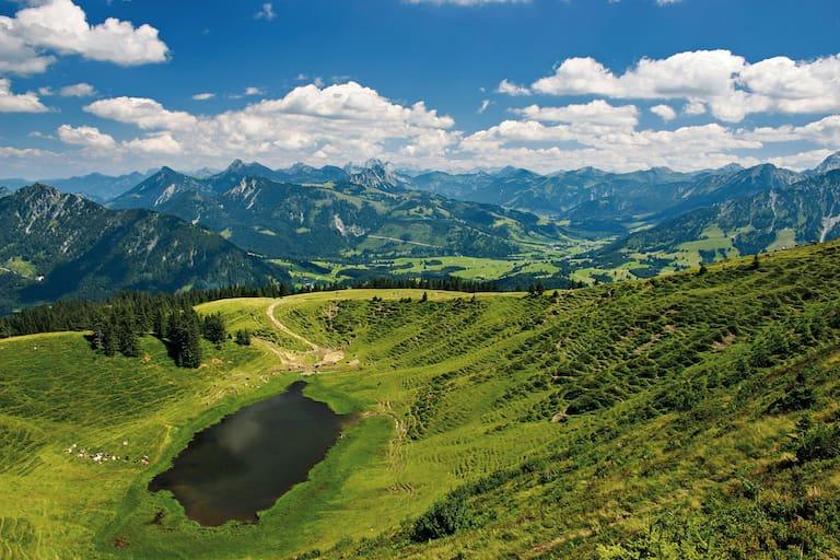 Wandern aufs Wertacher Hörnle in den Allgäuer Alpen: Hörnlesee