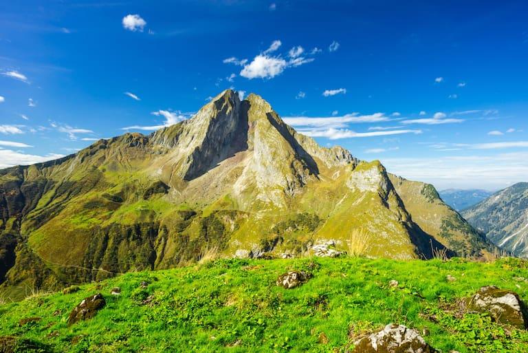 Allerfeinstes Bergwetter erwartet uns an diesem Wochenende, die Höfats (2.259 m) in den Allgäuer Alpen