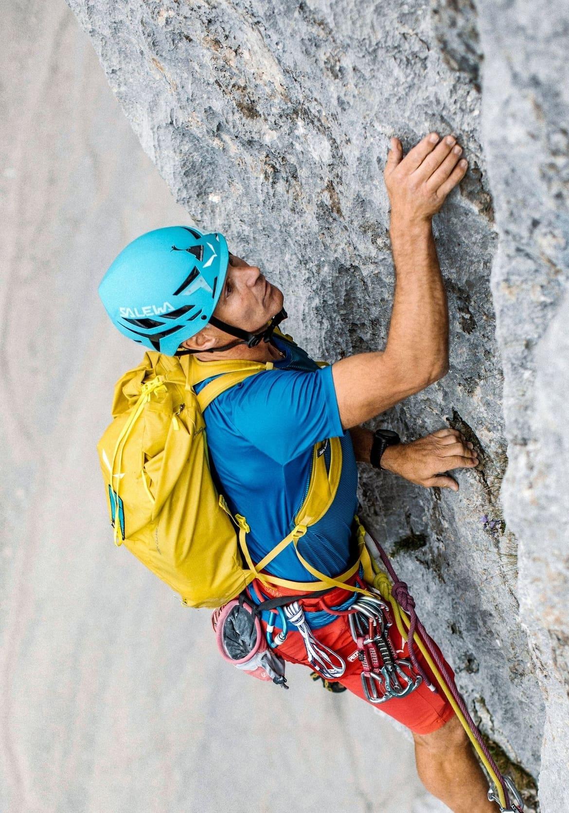 Der Bergführer in der Wand