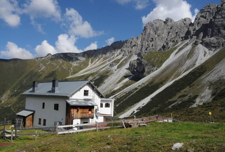 Adolf-Pichler-Hütte