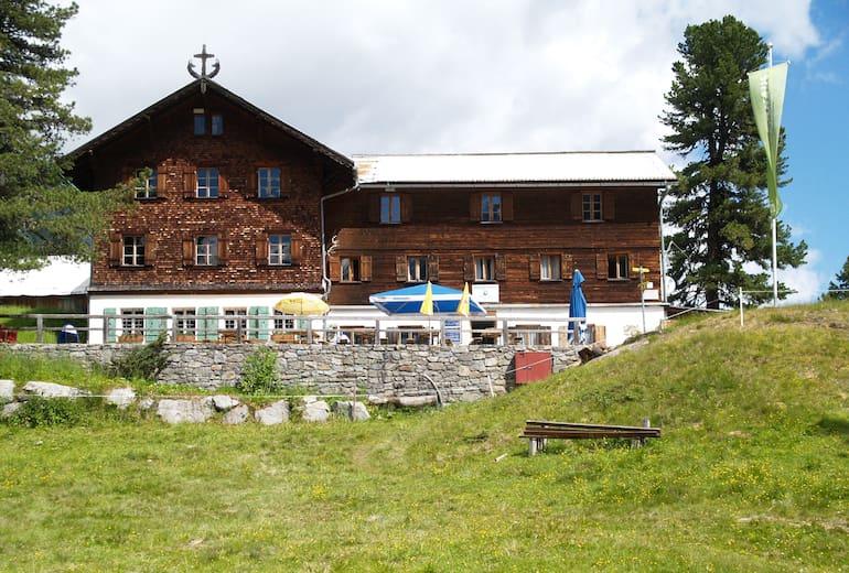 Das Gepatschhaus (1.928 m) liegtim hinteren Kaunertal in den Ötztaler Alpen